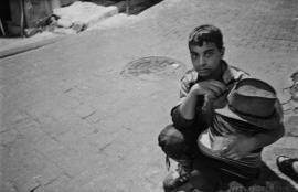 Arab boy / hat seller, Istanbul 2011