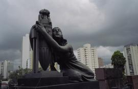 Love Me (Series), Cemitério São Paulo, Villa Magdalena 2013